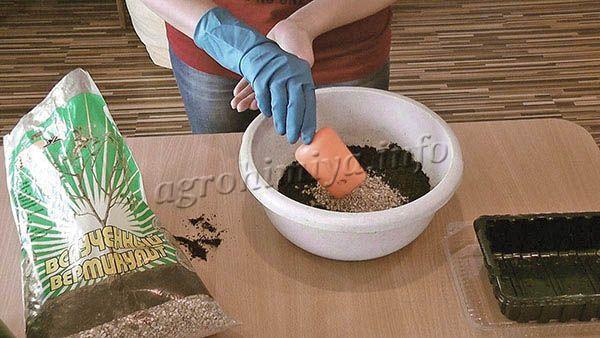 Подготовка почвы с Вермикулитом для рассады